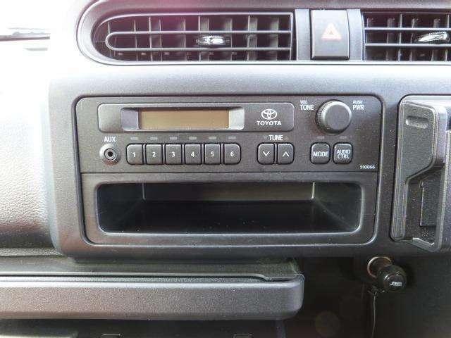 純正のラジオが付いています