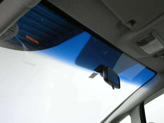 5速MT/LEDヘッドライト/オートライト/スマートキー&プッシュスタート/プライバシーガラス/シートリフター/ハーフシェードウィンドウ/アイドリングストップ/1年保証付き