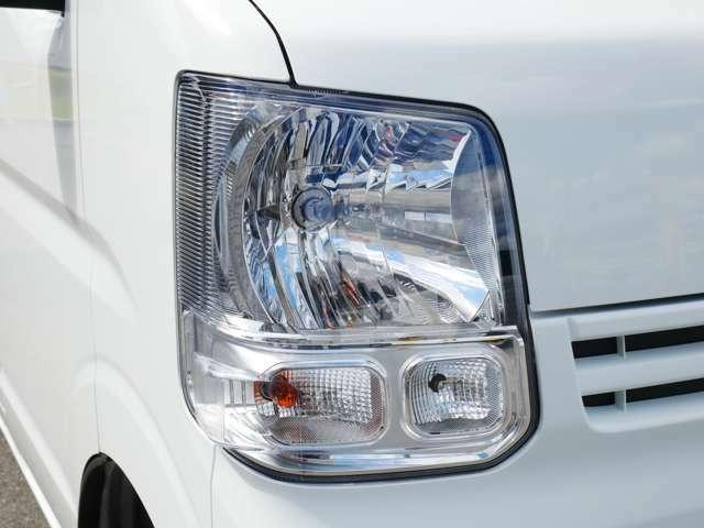 ピッカピカのヘッドライト!! LEDヘッドライト等の装着も可能です。