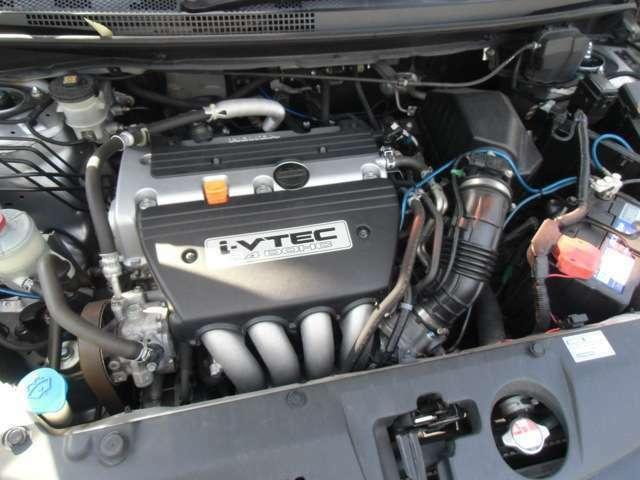 このグレードだけの2.4V-TECエンジンです!