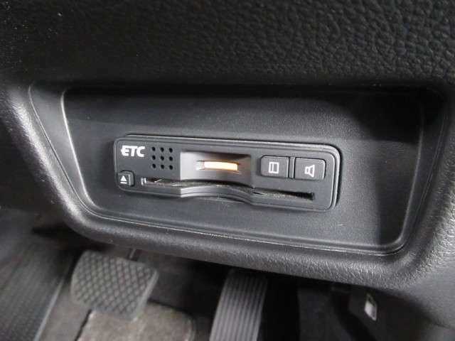★ETC車載器 装備車★ 有料道路を利用する際にスムースに通過でき、わずらわしい料金支払いから開放されます!
