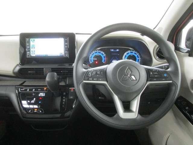 操作性の良い運転席です!