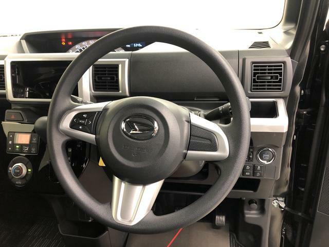 前方からの衝撃時、運転席・助手席乗員の頭部、胸部への重大な障害を軽減するデュアルエアバッグ。