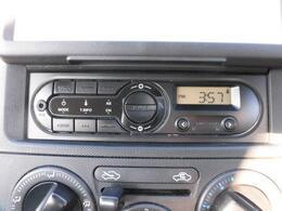 純正ラジオ装備!AUX端子付き♪