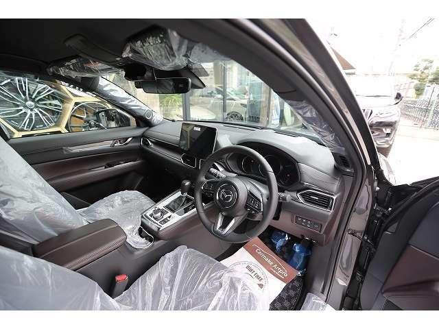 新車コンプリートカー販売の事ならカスタムガレージスパークにお任せ下さい。構造変更を取得してのご納車も承ります。創業20年ドレスアップ専門店としてたくさんの実績もございます。