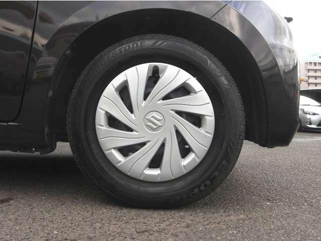 タイヤ4本8分山ぐらいです! しばらくはタイヤ交換の心配無用です!