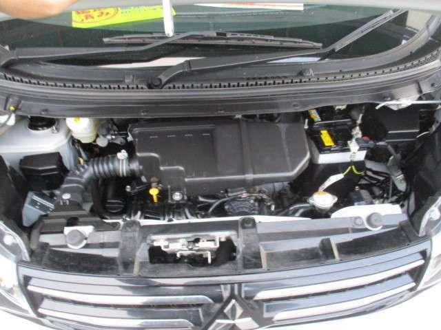 お越しの際は是非エンジンルームも見てください!ピカピカです!全車 安心の点検整備、無料保証付です。