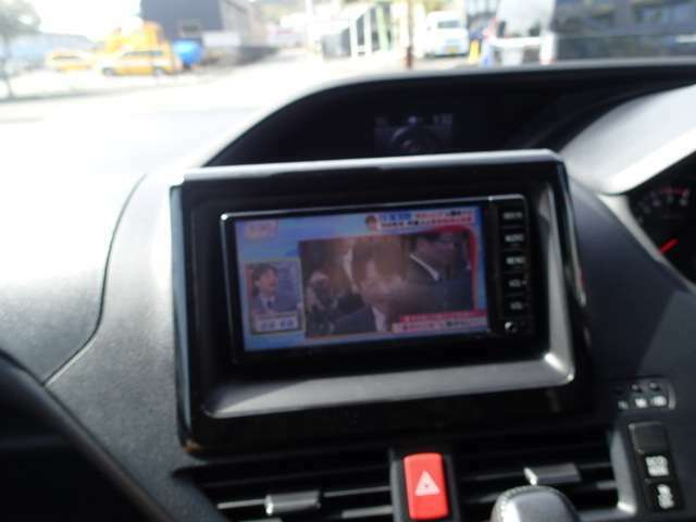 ナビがあれば旅行で初めて行く場所、不慣れな場所でも安心して運転することが出来ます!!フルセグTV・DVD再生・Bluetoothでドライブをもっと楽しく!!