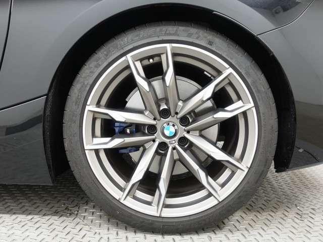 ♪1年間保証走行距離無制限BMW Approved Car♪エンジンやトランスミッション、ブレーキなどの主要部品はご購入後1年間走行距離無制限で保証します。万一、修理が必要な場合は工賃まで含めて無料で対応。