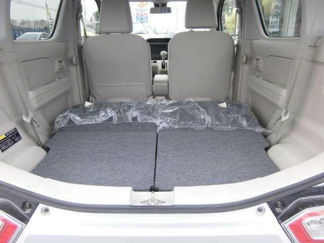 ダブルフォールディングシートは、荷室も広々使えて便利です