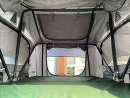 テント内も広く大人2人就寝可能です!