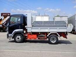 車両総重量7995kg 最大積載量3800kg