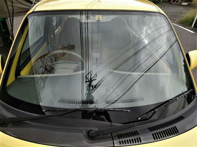 フロントガラスも目立つ傷なども無く良好!