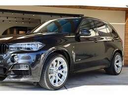 弊社ホームページに【BMWX5の関連ブログ掲載中!】※入庫からネット掲載までの車輛仕上げに関連する内容が含まれます。弊社では細部までこだわり一台一台気持ちを込めて仕上げています。