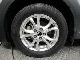 215/60/R16タイヤサイズです。純正アルミホイールです!