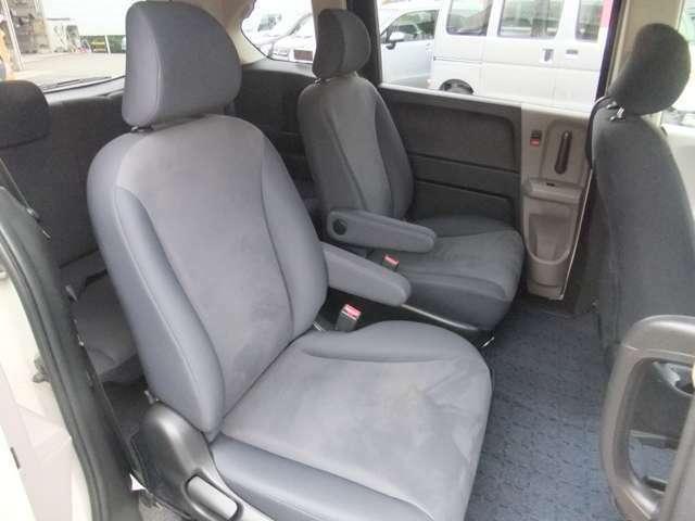◆9.セカンドシートはサードシートにさっといけるキャプテンシートタイプ