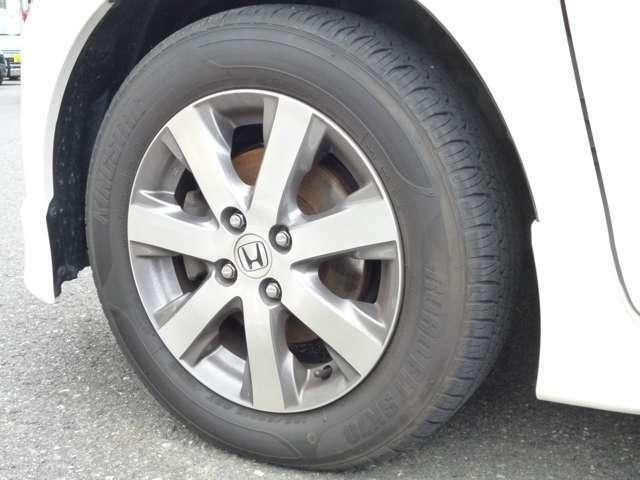 ◆13.純正15インチアルミでスポーティーな足回り!タイヤサイズ:185/65R15