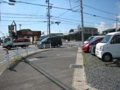 お買い得の軽自動車、コンパクトカーを販売!。お支払総額¥20万円以内のお車も多数ご用意しております。