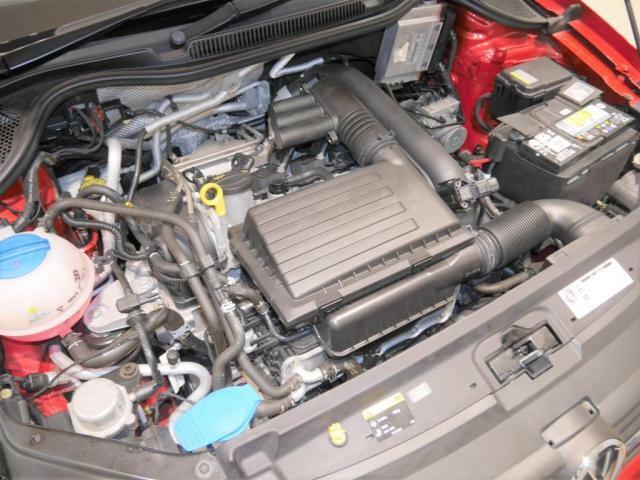 1.2L TSIエンジン 搭載。より 小さく、より 高効率に、より 低燃費にが、TSIエンジンのコンセプトです。