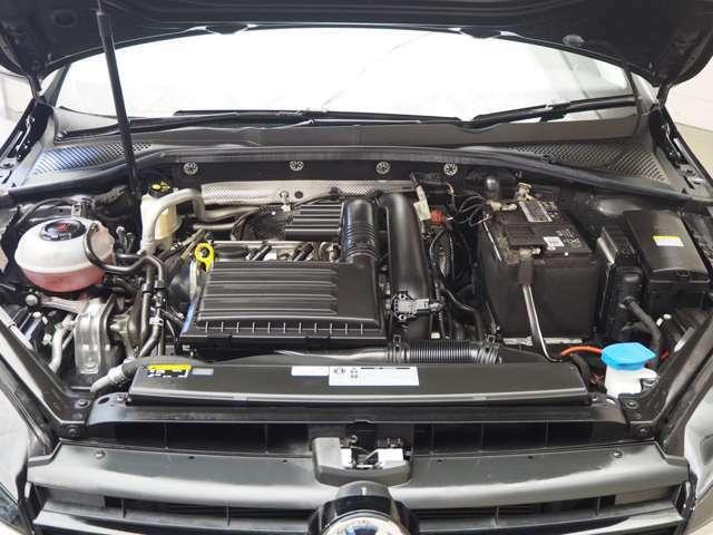 ダウンサイジングコンセプトのTSIエンジン搭載で低燃費×高出力!!