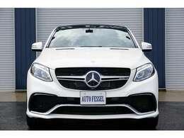 AMGエクスクルーシブパッケージ 500,000円・Bang&Olufsen・AMGカーボンインテリアパネル ダイヤモンドホワイト 111,000円