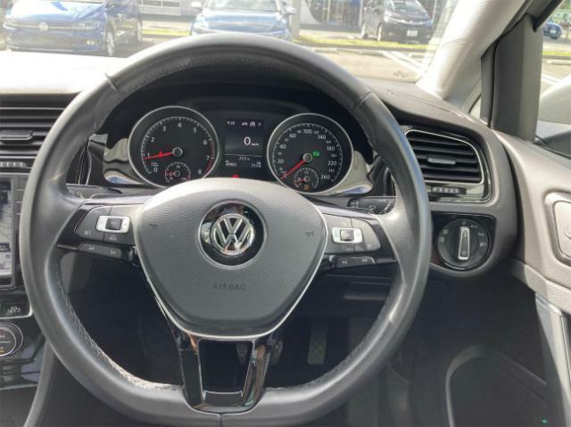 商品だけでなく、サービス、コストなど、中古車の購入に関するさまざまなリスクを最小限にし、きめ細かな保証サービスで、オーナーライフをしっかりとサポートします。