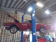 自社で整備工場と鈑金工場を完備しておりますので、ご納車までの準備もご安心ください!!