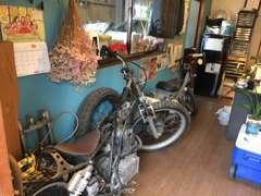 趣味のバイクなどもございます お気軽に遊びに来てください!