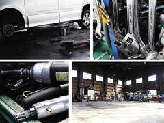 整備工場の様子です。大切なお車をしっかりと整備いたします!