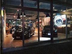 The Garage Works新たなライフスタイルを提案するポルシェ専門店