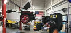 店頭にない車両は全国から、また日本にないマニアックな部品や海外部品などの調達もお手伝いできます。
