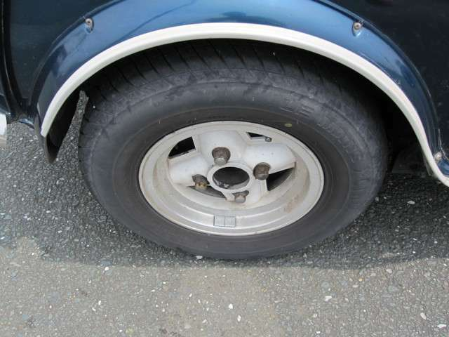 タイヤはダンロップ