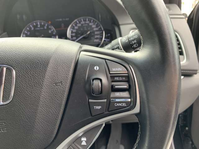 クルーズコントロール付き!!高速道路等でアクセルを踏まなくても一定速度で楽々ドライブ♪長距離ドライブには欠かせない機能の1つです!