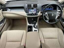 大阪府枚方市にセダン・SUVを中心に『お値打ち価格』で展示している良質中古車専門店です。事故歴修復歴なしの車両限定で取り扱い!。関西地域で最もお得な価格かつ最良質車をご提供できるよう努めております。