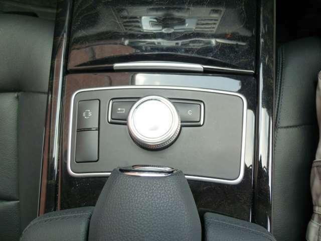 充実装備の上質車!黒革シート・全席シートヒーター・純正ナビ地デジ・Bカメラ・リアモニター・Pバックドア・キセノン・キーレスゴー・ETC・PTSを装備しています!