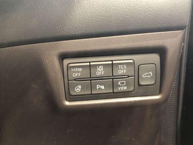 【スイッチ周り】アイドリングストップ/レーン逸脱警報/横滑り防止機能/ステアリングヒーター/パーキングアシスト/全方位カメラ/パワーバックドア
