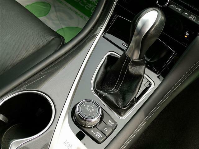 セミATモード搭載!エンジン回転数を見ながらご自身でシフトチェンジが出来るのでスポーツカー感覚でもドライブを楽しめます♪