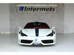 ■外装色 Bianco Avus■NARTレーシングストライプ■フロントリフトシステム■カーボンファイバーフロントスポイラー■カーボンファイバーフロントフィン