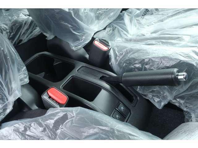 4WD 届出済未使用車 リフトアップ 新品16インチホイール 新品MTタイヤ スズキセーフティサポート クルーズコントロール ドアバイザー フロアマット LEDヘッドランプ ヘッドランプウォッシャー