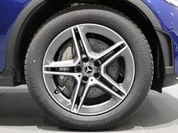 【AMGアルミホイール】おしゃれは足元から♪19インチAMG5ツインスポークアルミホイールを装着してバッチリ!Mercedes-Benzロゴ付きキャリパーです!
