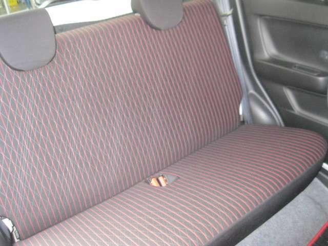 後部座席もとても綺麗です。