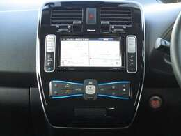 音楽録音機能・フルセグTV・DVD再生機能付の専用ナビは充電スポット表示やタイマー充電設定など多機能、バックカメラも付いてるので駐車も安心♪