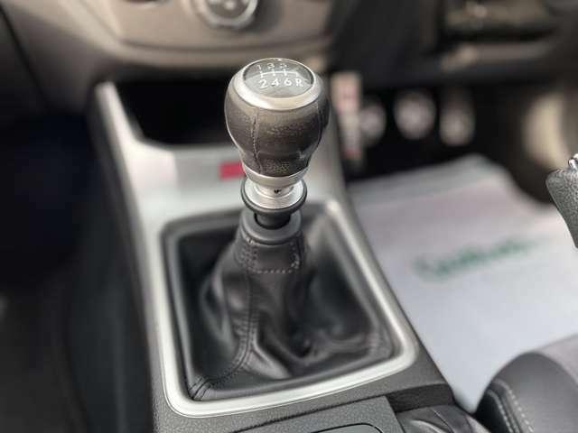 【6速MT】シフトも操作しやすく快適なドライブを楽しんでいただけます♪