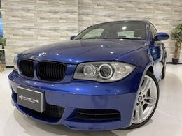BMW 1シリーズクーペ 135i 6MT 1オ-ナ- 禁煙 白革 サンルーフ