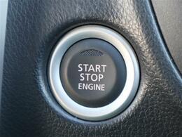 ☆インテリジェントキー&プッシュスタート♪キーを持っていればドアのボタンを押すだけで施錠解錠できます♪エンジンスタートもボタンを押すだけでラクラクスタートできます♪