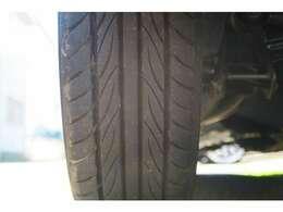 タイヤの残り溝も良好です。