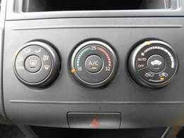 移動時の車内も快適に オートエアコンつきです