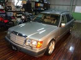 ラグーナ蒲郡から車で5分! 当店は二輪&四輪の旧車や希少車のみを取り扱っている専門店です。お問合せはこちらまで⇒ 0066-9711-066883