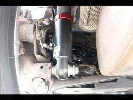 弊社取り付け新品BLITZ車高調装備しております。乗り心地を損ないづらい全長倒立式を採用しており、32段階減衰力調整可能で