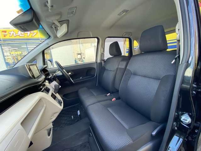 助手席のシートも綺麗です。